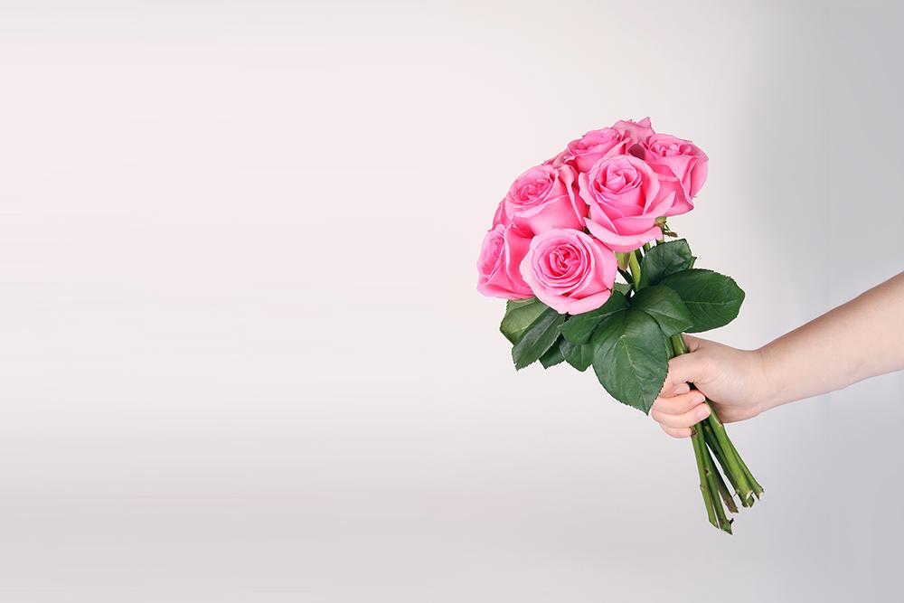 공연 후 팬으로부터 꽃과 선물을 받은 경우