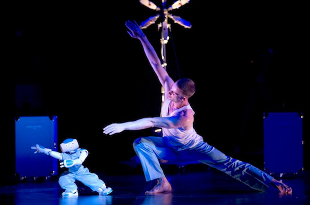 블랑카 리(Blanca Li) 컴퍼니의 <로봇> 공연 ©Laurent Philippe, 블랑카 리 홈페이지