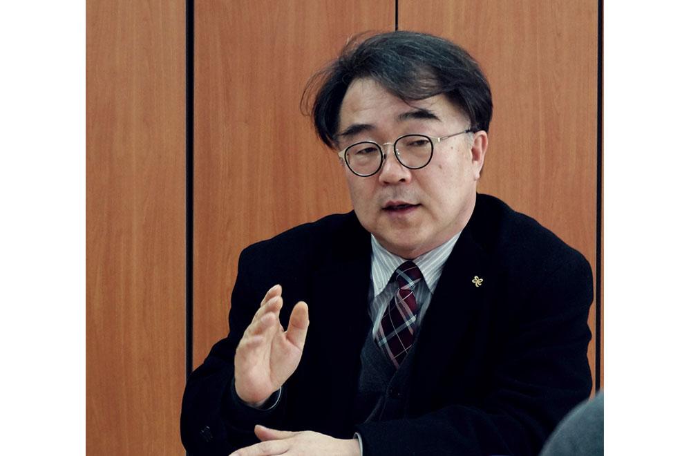 박동수 동수상회 대표(좌)와 안재동 중소기업진흥공단 일자리지원팀장(우)
