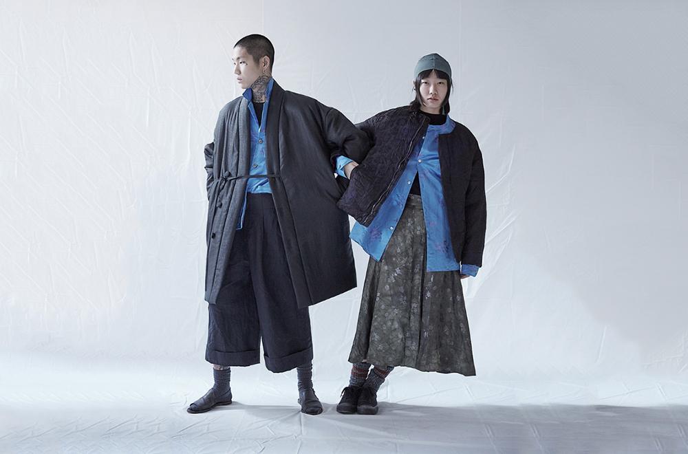 하무(河舞) 매장 전경(좌)과 고구려 출토 복식을 반영한 옷(우)